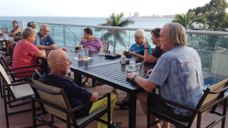 Happy hour with friends at Bahia on the beach