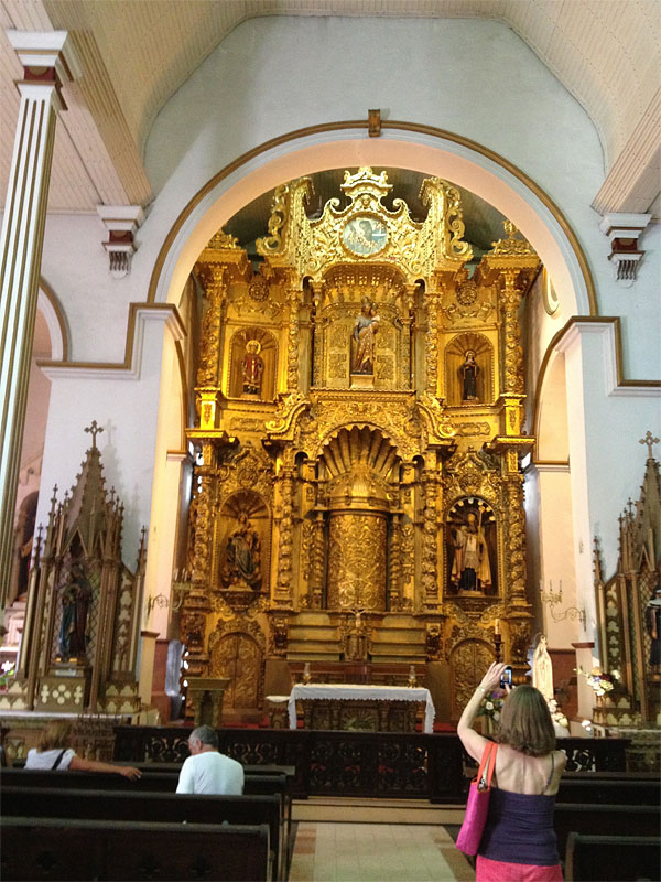Golden Altar--yes, that's Norma with the pink bag